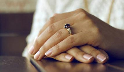 Как укрепить ломкие и слоящиеся ногти