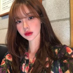 Корейская челка на русских девушках, по бокам, длинная, как стричь