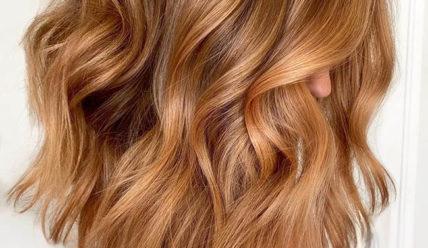 Карамельный цвет волос: который идет всем
