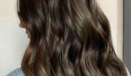 Коричневый цвет волос: ФОТО модных оттенков 2021